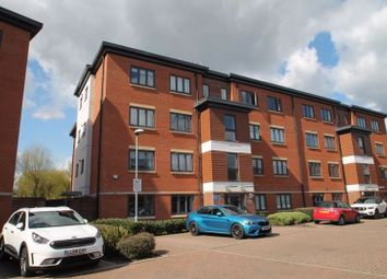 Bartlett Crescent, High Wycombe HP12. 2 bed flat for sale