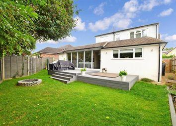 Wye Road, Borough Green, Sevenoaks, Kent TN15. 4 bed detached bungalow