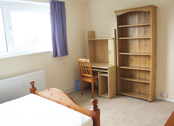 Thumbnail 4 bed flat to rent in Red Lion Road, Surbiton