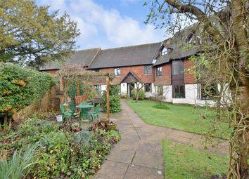 Thumbnail 2 bed flat for sale in Hylton Road, Petersfield, Hampshire
