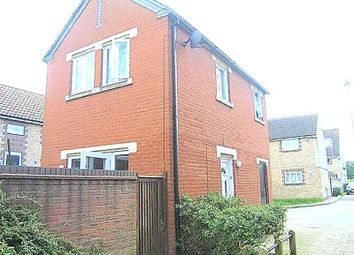 Thumbnail 1 bed detached house to rent in Bowden Close, Feltham