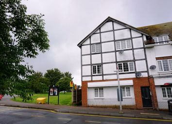 Gilders Road, Chessington KT9. 2 bed flat
