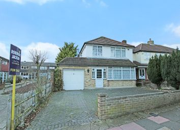 Thumbnail 3 bed detached house for sale in Fen Grove, Sidcup, Kent