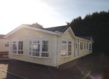 Thumbnail 2 bed property for sale in Hillcrest Caravan Site Manor Road, Woodside, Luton