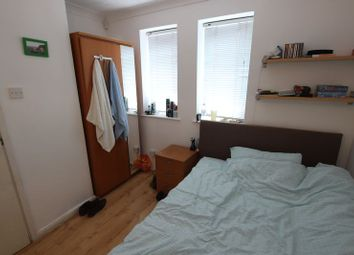 Thumbnail Room to rent in Codling Close, London