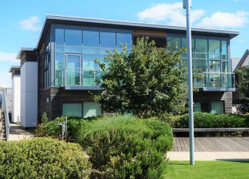 Thumbnail 2 bedroom flat for sale in Park Way, Newbury