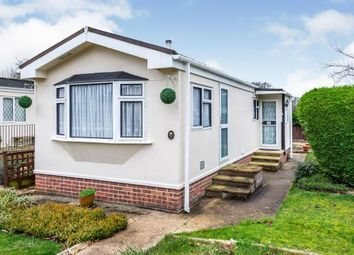Thumbnail 1 bed mobile/park home for sale in Shaftesbury Way, Kings Langley, Hertfordshire
