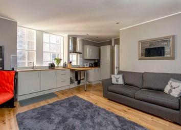 1 bed flat to rent in Stevenlaw\'s Close, High Street, Edinburgh EH1