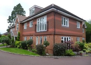 Thumbnail 2 bed flat to rent in Old Forest Road, Winnersh, Wokingham