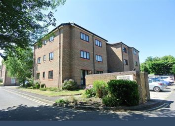 Thumbnail 1 bed flat to rent in High Street, Addlestone