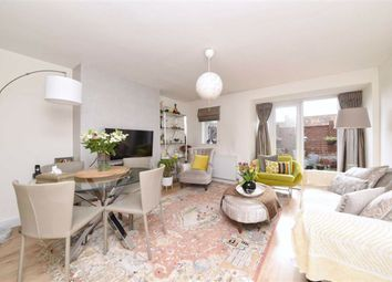 Thumbnail 2 bedroom flat for sale in Basing Way, Finchley, London