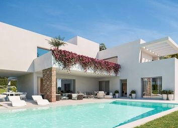 Thumbnail 5 bed villa for sale in Estepona, Málaga, Spain