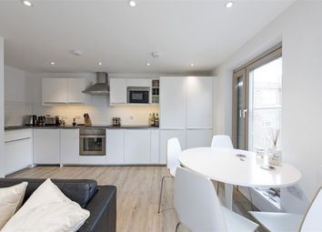 Thumbnail 1 bed flat to rent in Triangle Place, London