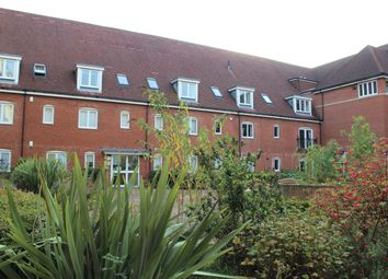 2 bed flat for sale in Wingfield Court, Banstead, Surrey SM7