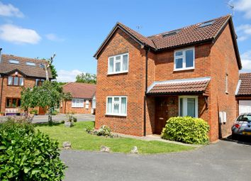 Thumbnail 5 bed property for sale in Budgen Drive, Redhill