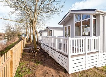 Thumbnail 2 bed bungalow for sale in Hampstead Lane, Yalding, Maidstone