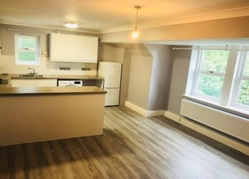 2 bed flat to rent in Montague Drive, Roundhay, Leeds LS8