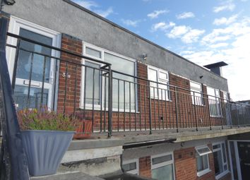 Thumbnail 2 bed flat to rent in Lowther Road, Dunstable, Bedfordshire