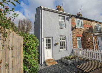 Thumbnail 2 bed cottage for sale in Crescent Road, Warley, Brentwood
