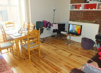 Thumbnail 6 bedroom terraced house to rent in Ebberston Terrace, Leeds