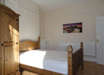 Thumbnail Room to rent in Room 5, Dogsthorpe Road, City Centre, Peterborough
