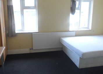 Thumbnail Room to rent in Golden Parade, London