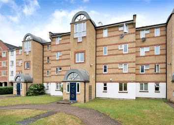 Thumbnail 2 bedroom flat to rent in Dunnage Crescent, London