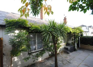 Thumbnail 2 bedroom cottage for sale in Oriental Road, Ascot