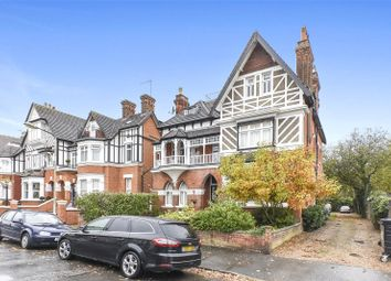 2 bed flat to rent in The Drive, North Chingford, London E4