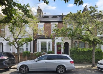 Thumbnail 5 bed property for sale in Daubeney Road, London