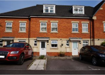 Thumbnail 3 bed town house to rent in Aphelion Way, Reading