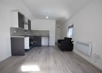 Thumbnail 1 bed flat to rent in Clive Street Flat B, Cardiff