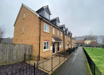 4 bed terraced house to rent in Darwin Crescent, Torquay TQ2
