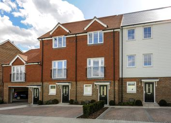 Thumbnail 3 bedroom town house to rent in Woodland Road, Dunton Green