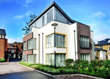 2 bed flat for sale in Uplands Road, Merrow, Guildford GU1