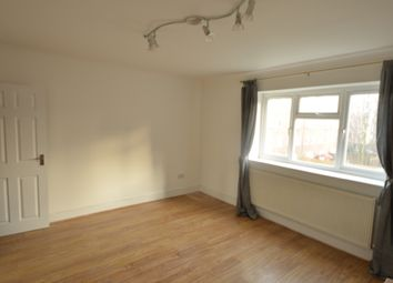 3 bed maisonette to rent in Evelyn Walk, Old Street, London N1