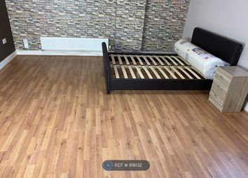 Room to rent in Higher Lane, Whitefield, Manchester M45