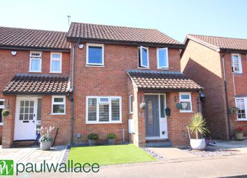 3 bed end terrace house for sale in Hollyfields, Broxbourne EN10