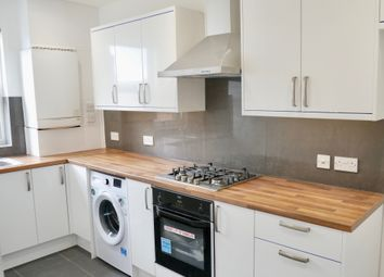 Thumbnail 2 bed flat to rent in Castle Hill Parade, The Avenue/West Ealing