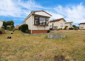 Highfield, Tower Park, Hullbridge, Hockley SS5. 2 bed mobile/park home