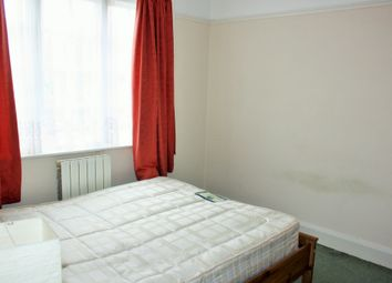 Thumbnail 2 bedroom flat to rent in The Vale, Golders Green