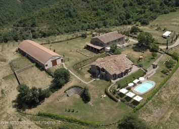 Thumbnail Farmhouse for sale in Former B&B, Orvieto, Umbria