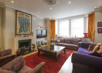 Thumbnail 3 bed flat to rent in Chesterford Gardens, London