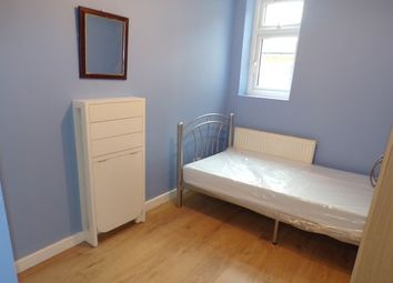 Thumbnail Studio to rent in Cecil Avenue, Barking