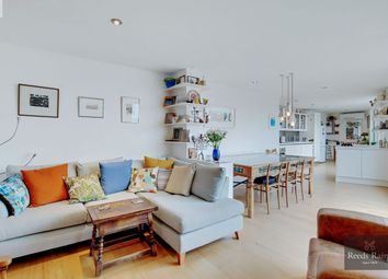 Steedman Street, London SE17. 2 bed flat