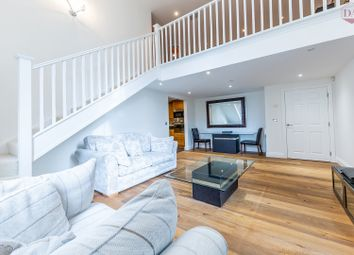 2 bed flat for sale in Royal Drive, London N11