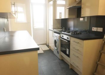 Thumbnail 3 bed shared accommodation to rent in Green Lanes, Palmers Green