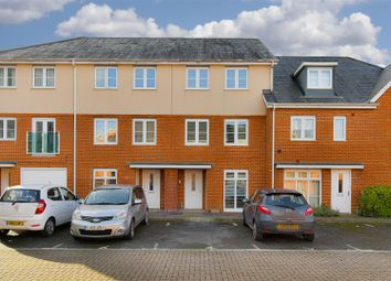 4 bed property for sale in Gumbrell Mews, Redhill RH1