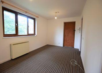 Thumbnail Studio to rent in Forest View, Fairwater, Fairwater