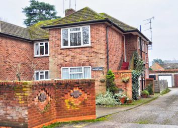 Thumbnail 2 bedroom flat to rent in Beaumont Rise, Marlow